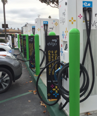 Governor Signs Ting Bill That Paves the Way For More Electric Vehicle Charging Stations In California